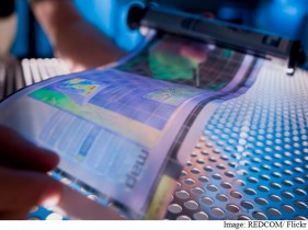 flexible-and-paper-thin-displays-with-le-ofets-technology