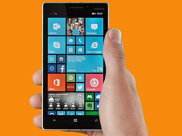 lumia_930_screen_hand_press_image